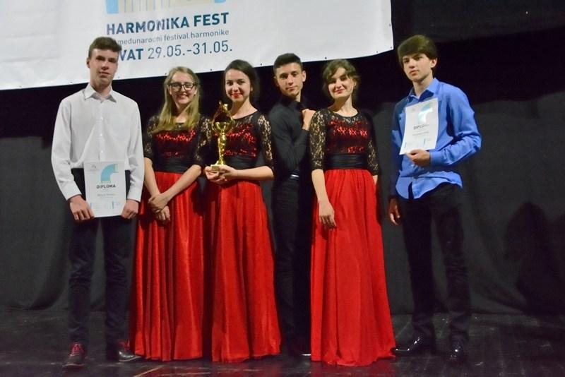 """Sukcesy akordeonistów z Przemyśla na VII Międzynarodowym Festiwalu Akordeonowym """"Harmonika Fest"""" w Czarnogórze"""