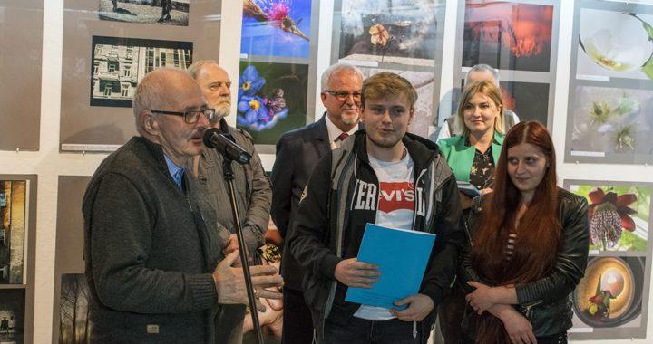 Sukces słuchaczy Policealnego Studium Animatorów Kultury w Krośnie w XVII Podkarpackich Konfrontacjach Fotograficznych
