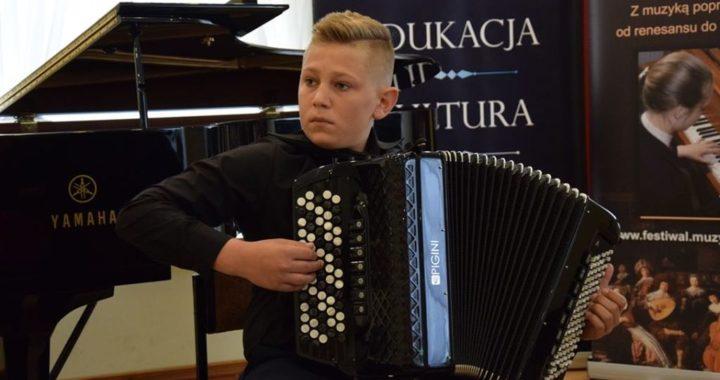 Znakomite sukcesy akordeonisty z Jeżowego