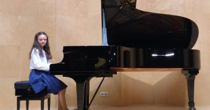 Anna Rusin z klasy fortepianu mgr Urszuli Budy laureatką Międzynarodowego Konkursu Muzycznego THE MUSE – Ateny 2020
